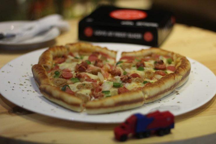 pizza Rigen - nalar.id