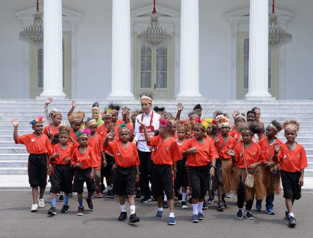 Jokowi Bertemu Anak Papua - nalar.id