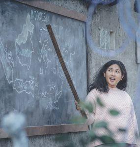 film IMPERFECT: Karier, Cinta & Timbangan - nalar.id