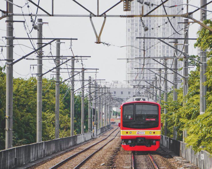 KRL Commuter Line - nalar.id